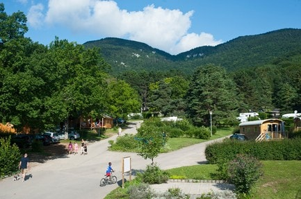 Camping Huttopia Divonne-les-Bains